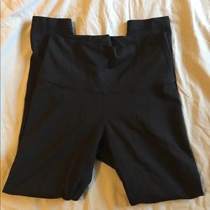 Lululemon Black Leggings - size 6